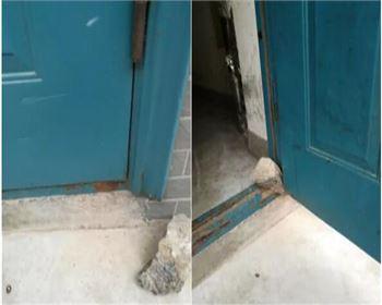 小区单元门变形损坏常见原因是什么?